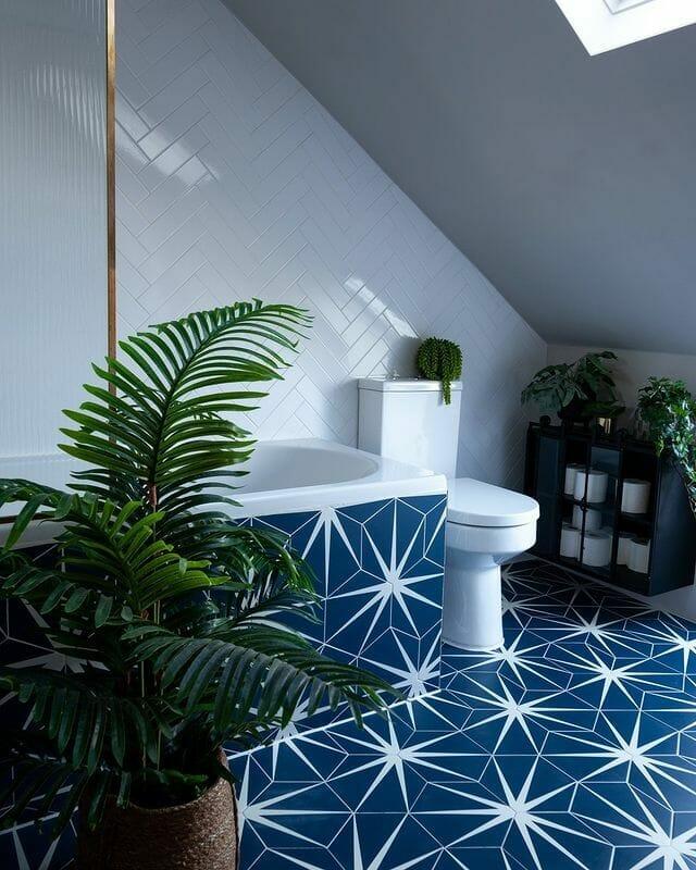 Bathroom Designed By Tracy Cole of HelloFloraUK