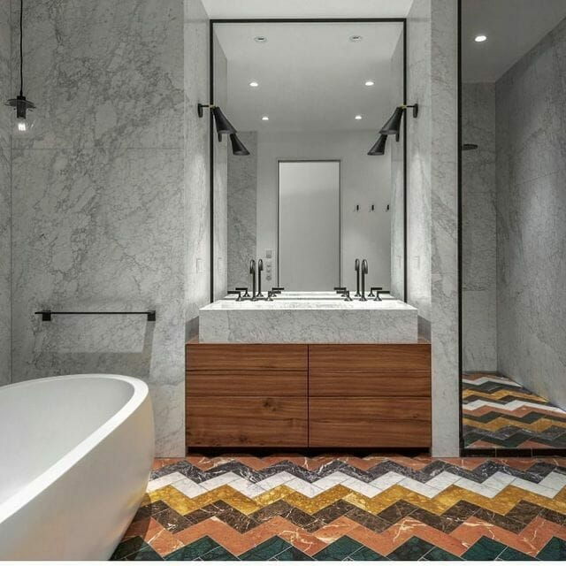 Coloured bathroom and Neutral Walls By Lien Tran Interior Design